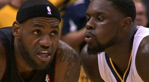 lance-stephenson-lebron-james-blow-ear.jpg_dd7daf4625b44e713e37fc422d6b7be3